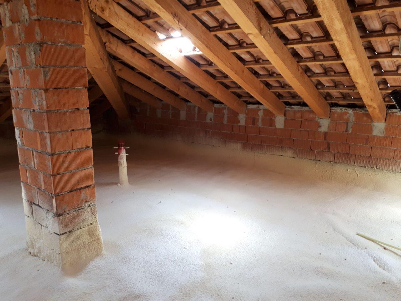 Isolamento sottotetto solaio soffitta pavimento edilchimento isolamenti termici poliuretano - Isolare il tetto dall interno ...